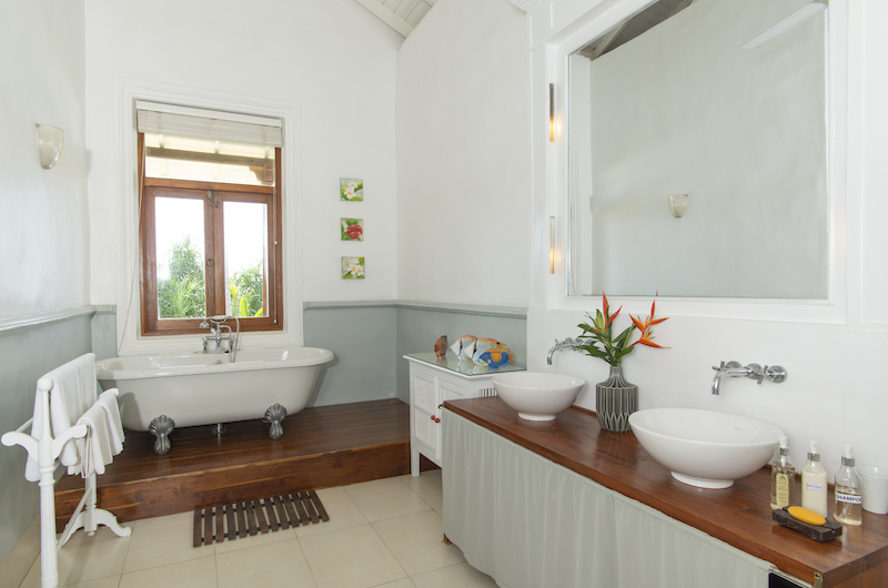 Skye House Bathtub | Koggala, Sri Lanka