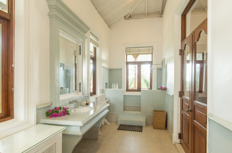 Skye House Bathroom | Koggala, Sri Lanka