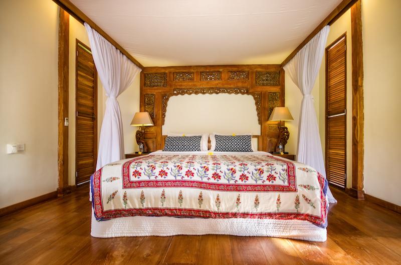 Desa Roro Bedroom with Lamps | Canggu, Bali