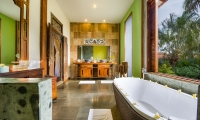 Desa Roro Bathtub Area | Canggu, Bali