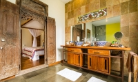 Desa Roro Bathroom | Canggu, Bali