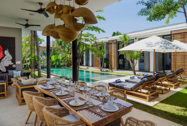 Bali Canggu Villa Vida Poolside Dining