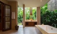 Imperial House Bathtub Area | Canggu, Bali