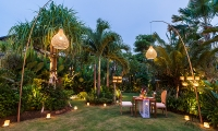 Imperial House Outdoor Dining Table | Canggu, Bali