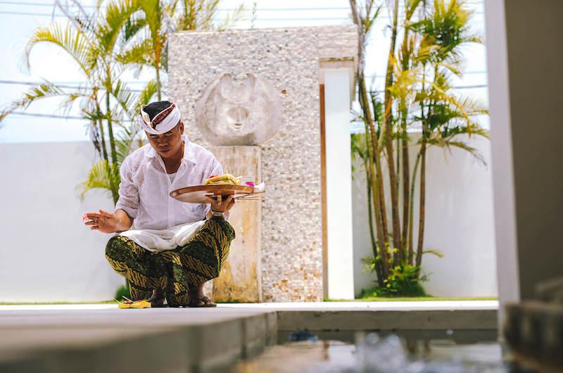 Bali Seseh Villa Anucara Staff Praying