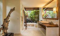Villa Ku Besar Master Bathroom   Seminyak, Bali