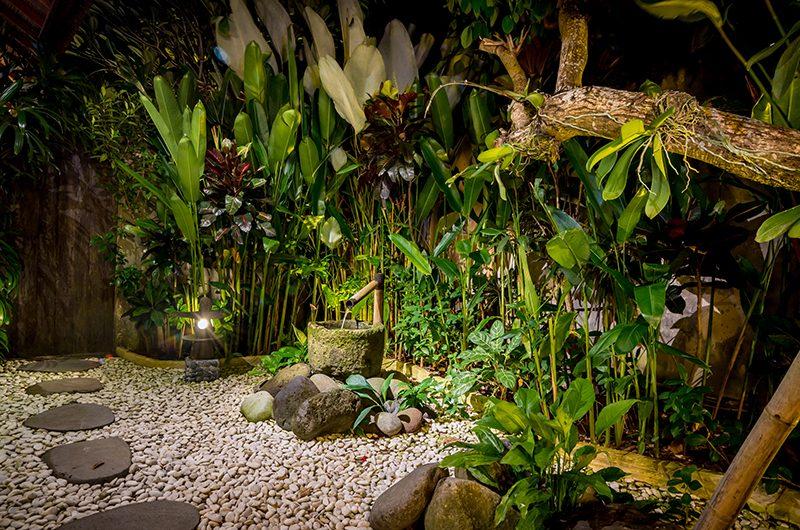 Villa Ku Besar Outdoor Shower   Seminyak, Bali