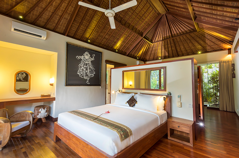 Villa Ku Besar Bedroom with Seating   Seminyak, Bali