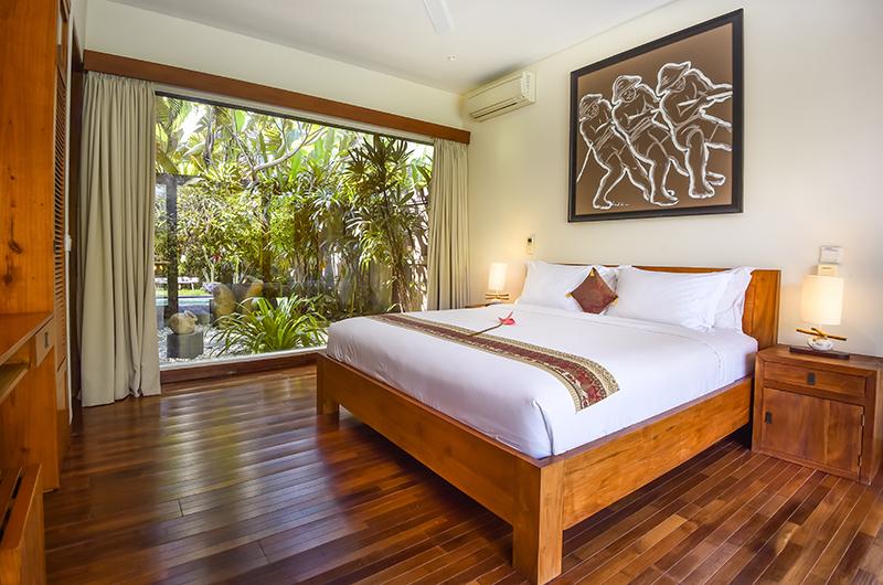 Villa Ku Besar Bedroom with Lamps   Seminyak, Bali
