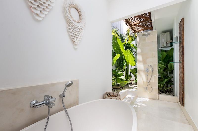 Villa Metisse Bathtub | Seminyak, Bali