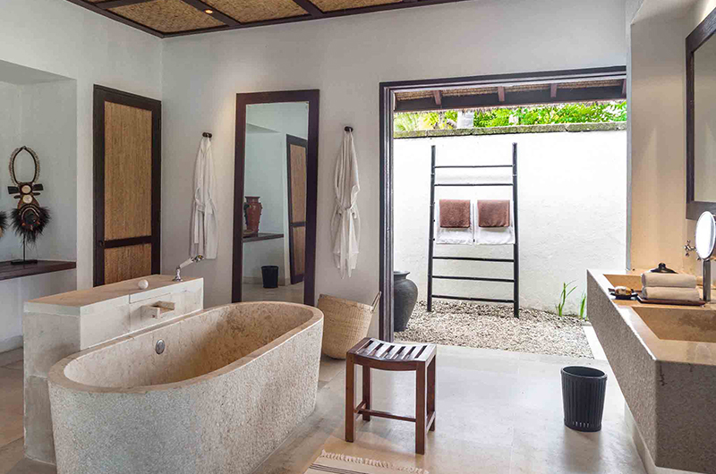 Sira Beach House Bathroom One | Lombok, Indonesia