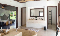 Sira Beach House Enclosed Bathroom | Lombok, Indonesia
