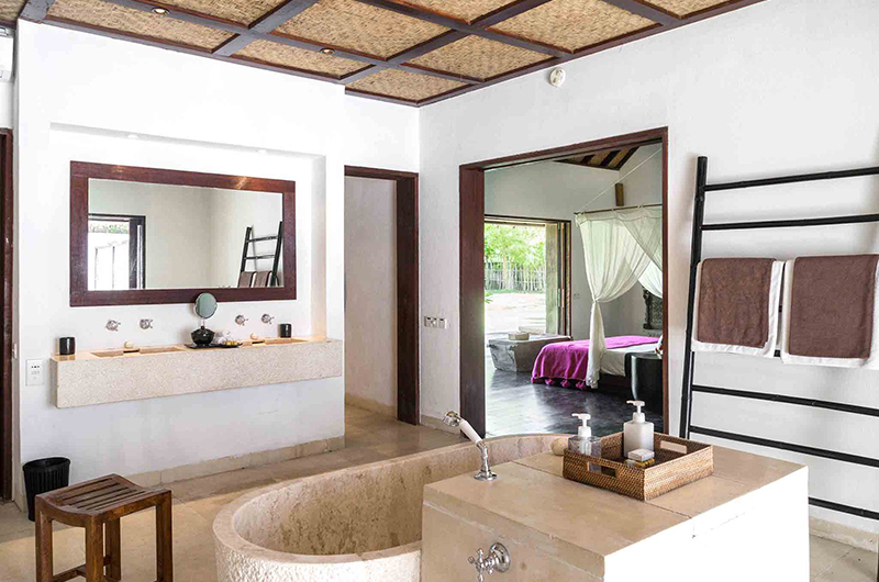 Sira Beach House Bathroom | Lombok, Indonesia
