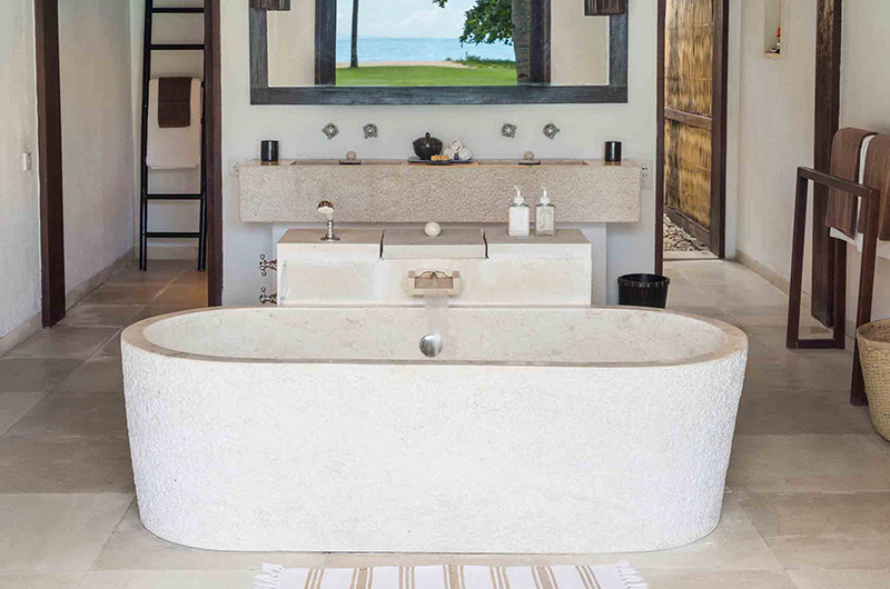Sira Beach House Bathtub | Lombok, Indonesia