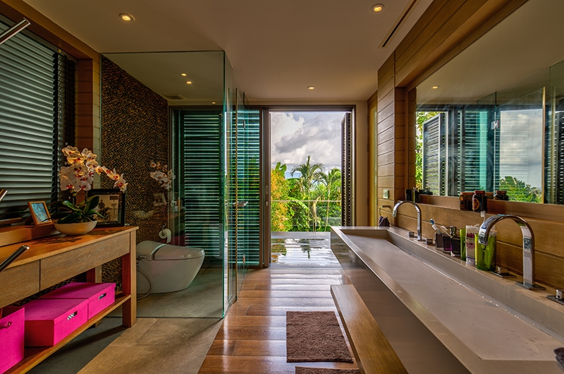 Villa La Colline Bathroom | Layan, Phuket