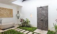 Candi Kecil Empat Outdoor Shower | Ubud, Bali