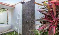 Candi Kecil Empat Shower | Ubud, Bali