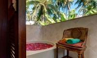 Villa Gita Segara Bathtub | Candidasa, Bali