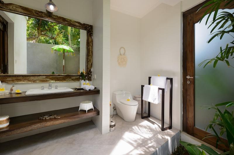 Villa Jabali Bathroom One | Seminyak, Bali