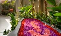 Villa Jabali Bathtub | Seminyak, Bali