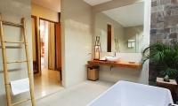 Villa Ruandra Bathtub Area | Seminyak, Bali