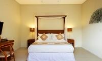 Villa Ruandra Bedroom with Lamps | Seminyak, Bali