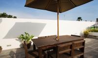 Villa Ruandra Outdoor Dining Table | Seminyak, Bali
