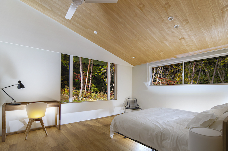 Sakka Rocks Bedroom with Study Table | Hakuba, Nagano