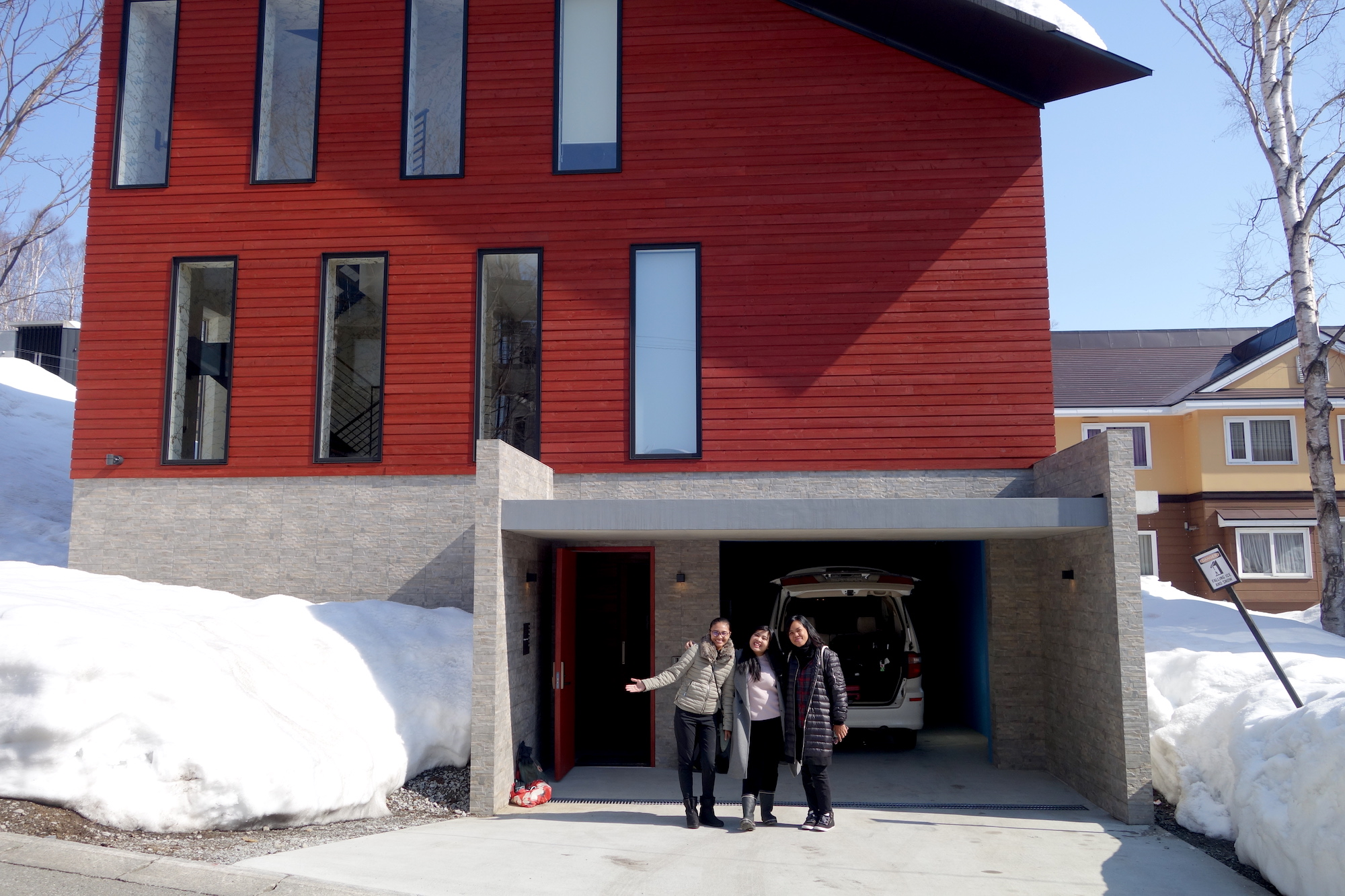 Kitsune House – A Pop of Colour in Niseko