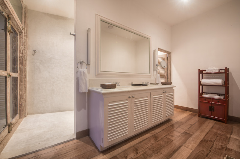 20 Middle Street Bedroom with Mirror | Galle, Sri Lanka