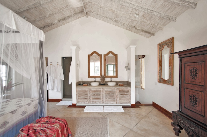 20 Middle Street Queen Bedroom with Enclosed Bathroom | Galle, Sri Lanka