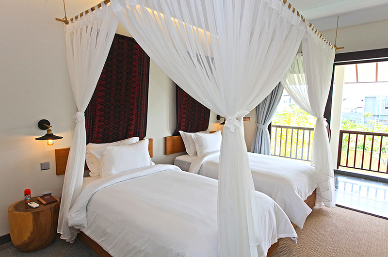 Villa Elite Cassia Twin Bedroom with Lamps | Canggu, Bali