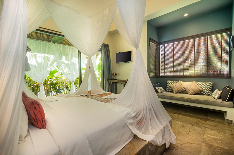Villa Karmagali Bedroom with Seating | Sanur, Bali