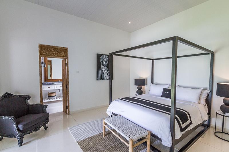 Villa Kusuma Bedroom with Seating | Uluwatu, Bali