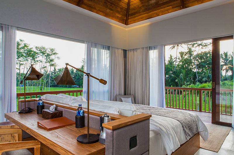 Villa Lumia Bedroom with Study Table | Ubud, Bali