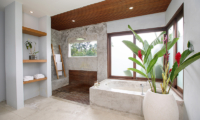 Villa Lumia Bathtub   Ubud, Bali