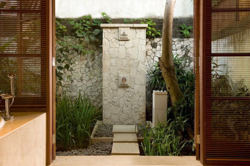Villa Marlinde Shower Area | Jimbaran, Bali
