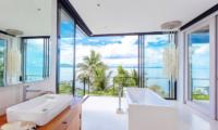 Villa Arcadia Bathtub | Laem Sor, Koh Samui