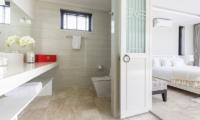 Villa Neung Skye Bathroom Area   Choeng Mon, Koh Samui