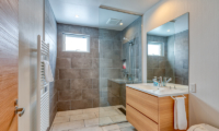 Hokkaidaway Bathroom | Hirafu, Niseko