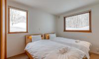 Hokkaidaway Twin Bedroom | Hirafu, Niseko