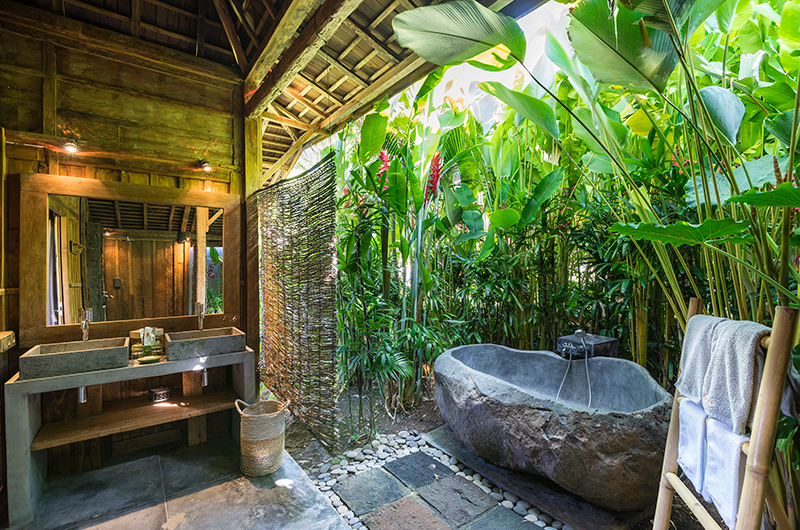 Alami Boutique Villas Six Bedroom Bathroom | Tabanan, Bali