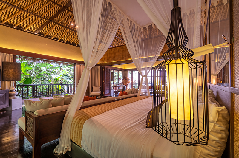Hidden Palace Master Bedroom with Lamps | Ubud, Bali