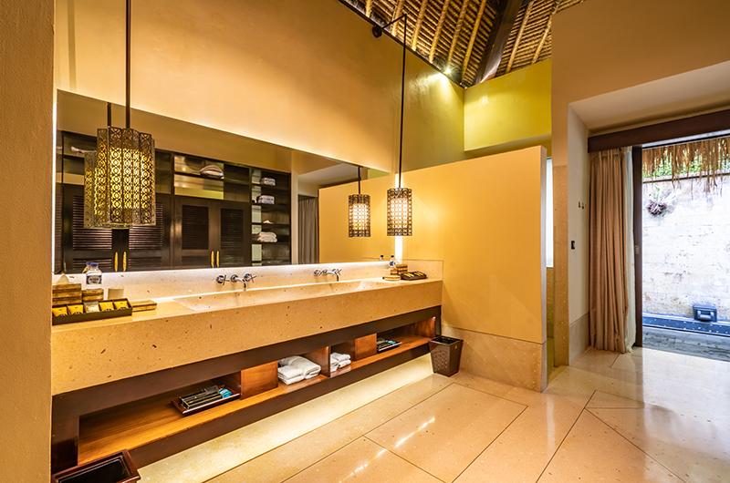 Hidden Palace Master Bathroom Area | Ubud, Bali