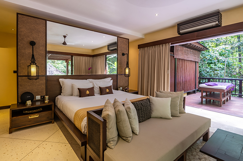 Hidden Palace Bedroom with Lamps | Ubud, Bali