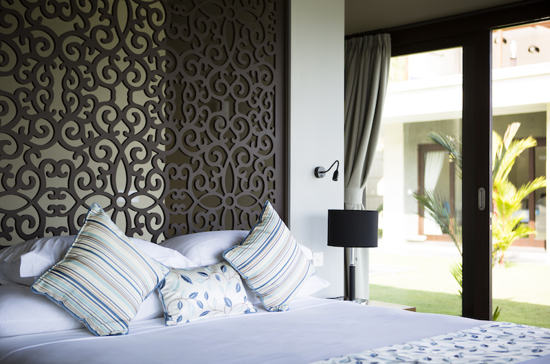 Villa Aamisha Master Bedroom with Lamps | Candidasa, Bali