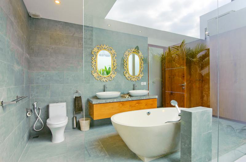 Villa Azure Bathroom | Seminyak, Bali