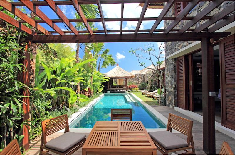 Villa Suar Tiga Outdoor Dining Table | Seminyak, Bali
