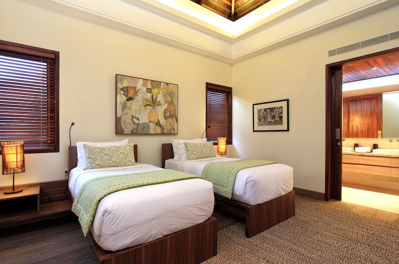 Villa Suar Tiga Twin Bedroom with Ensuite Bathroom | Seminyak, Bali