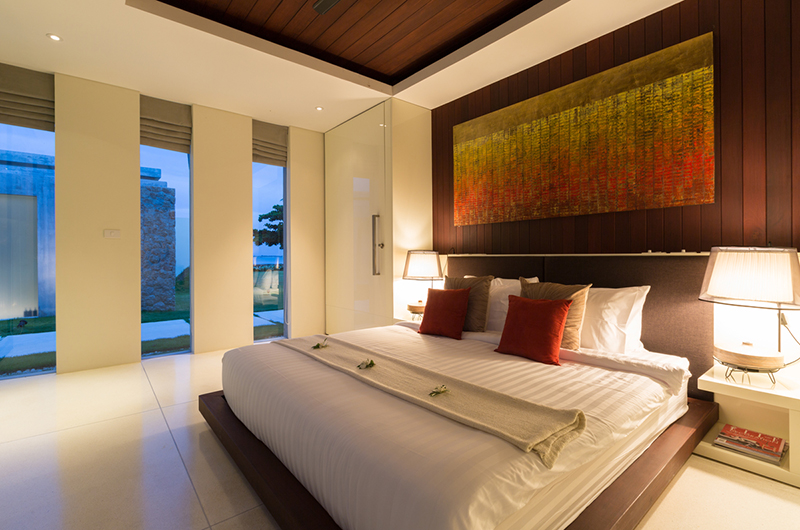 Villa Malabar Bedroom with Lamps | Laem Sor, Koh Samui
